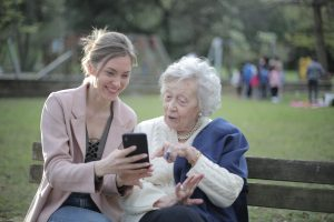 Brecha digital Ancianos