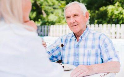 Consejos para el cuidado de mayores en verano